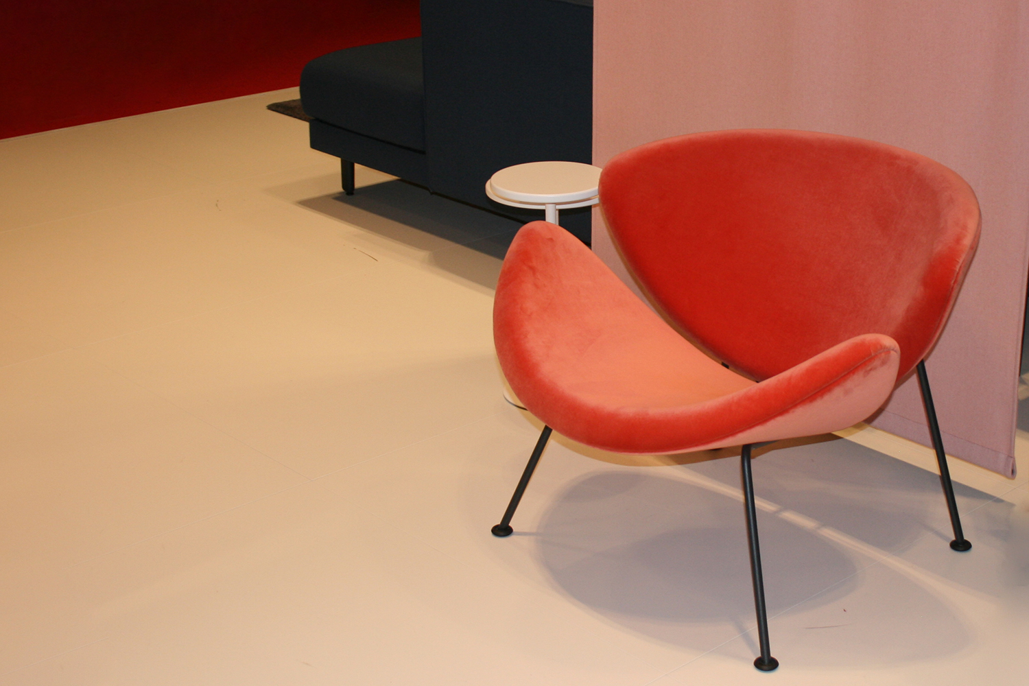 Artifort Orange Slice Chair Pierre Pauilin Salone del Mobile Milaan
